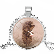 Bella Hedgehog Collane Hedgehog Nella Nebbia Pendenti con Gemme E Perle Collana Carino Hedgehog Mini Zoo Animale Dei Monili Del Collare(China)
