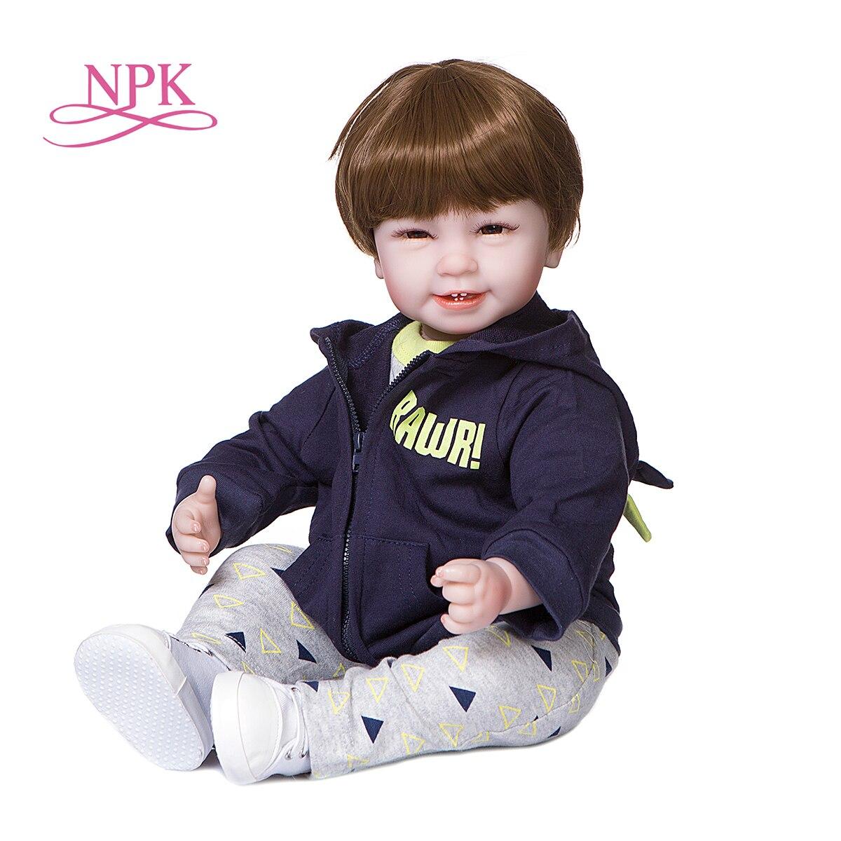 NPK 55CM Weichen Körper Kuschel Reborn Kleinkind Baby Boy Puppe Mit Vier Zähne Lächeln Gesicht Niedlich Baby Geburtstag Geschenk entzückende