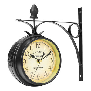 Outdoor Wall Clock Hanging Retro Double Sided Battery Powered Metal Mount Vintage Garden Coffee Bar Decoration Round Station