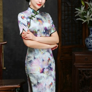 Image 2 - 2019 The New Floor length Scalloped Direct Selling Cheongsam Embroidered Fashion In High grade Cultivate Morality Sleeve Silk