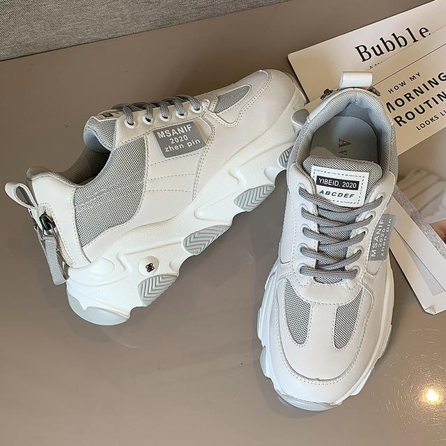 נעלי נשים פלטפורמת דירות חדש מעצב לנשימה רשת נעליים יומיומיות נקבה אופנה מאמני תחרה עד פנאי נשים מגופר