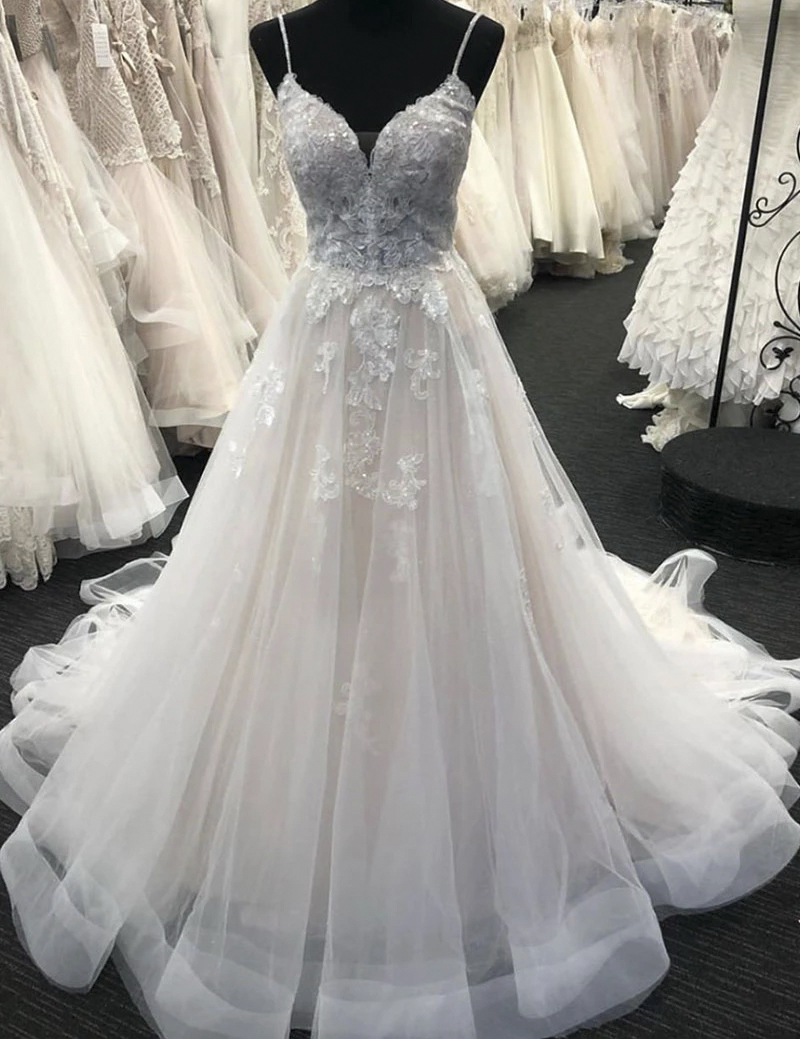 Elegant Lace Appliques Tulle Wedding Dress 2020 Bare Back Spaghetti Strap A Line Sweep Train Long Bridal Gowns De Mariee Gown