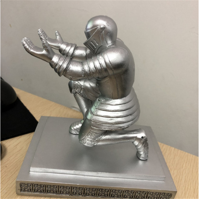 Spersonalizowany żołnierz rycerz w kształcie obsadka do pióra Hero Model ołówek stojak do dekoracji wnętrz biurowych pulpit figurka dekoracyjna prezent dla dzieci