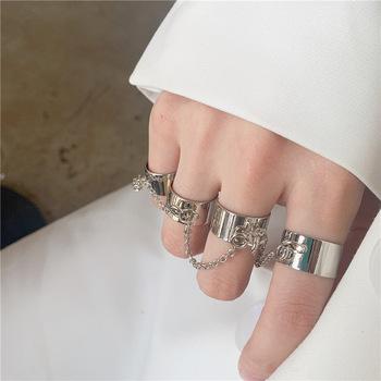 Punk fajne Hip Pop pierścienie wielowarstwowy regulowany łańcuch cztery otwarte pierścienie ze stopu mężczyzna obracać pierścienie dla kobiet Party prezent tanie i dobre opinie LAU CHIY CN (pochodzenie) Ze stopu cynku Kobiety Metal TRENDY Obrączki ślubne ROUND 6523 Brak moda Na imprezę Pierścionki