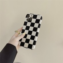 Winter Fashion Checkerboard Grid Pattern Female Soft Case For Iphone 11 12 Pro Max 7 8 Plus Xr X Xs Se 2020 Phone Cover Fundas