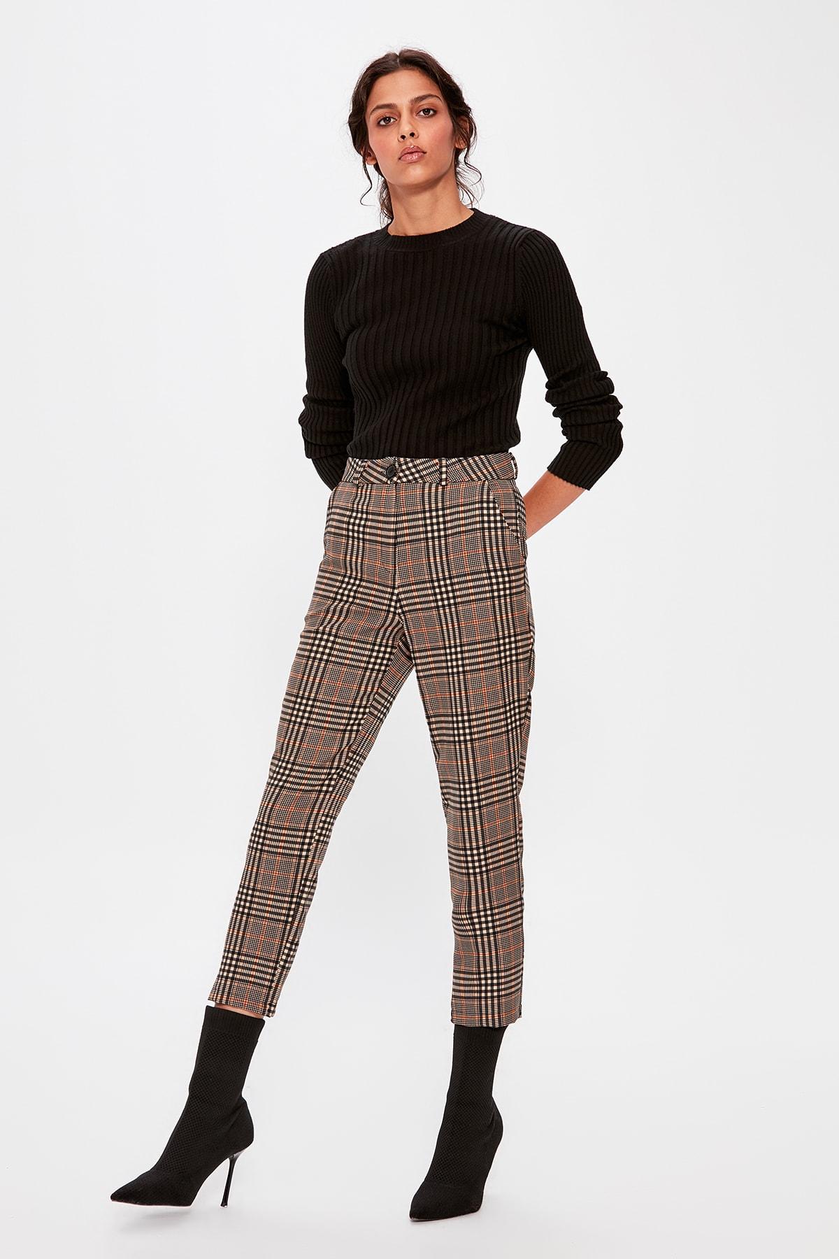 Trendyol Gray Plaid Pants TWOAW20PL0300