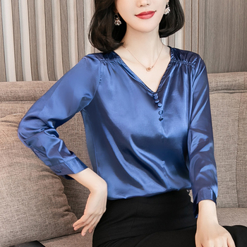 цена Fashion Autumn Women Shirts Women Silk Shirt Woman V-neck Satin Blouse Shirt Plus Size XXXL Women Blouses Blusas Mujer De Moda онлайн в 2017 году