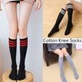 Длинные хлопковые носки для женщин, носки до колена, женские полосатые длинные носки, дышащие школьные спортивные гольфы для девочек