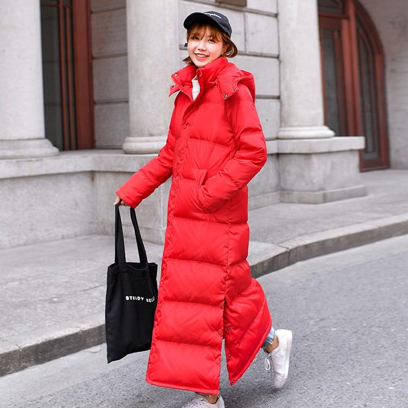 Длинная белая куртка на утином пуху 2019 Зимние новые пуховики женские утепленные однотонные куртки с капюшоном зимняя верхняя одежда водонепроницаемая