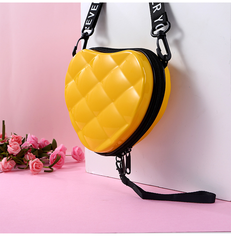 H2500a2ae8de1449bb237fee991216e8bG - Fashion Luxury HandBags Heart Shaped PVC Mini Shoulder Bag for Woman Fashion Designer Personality Small Box Women Purses
