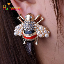 New Fashion Women Earrings animal Bee stud earrin pearl Party wedding female jewelry Gold 2019 trend earrings Alloy  unique like