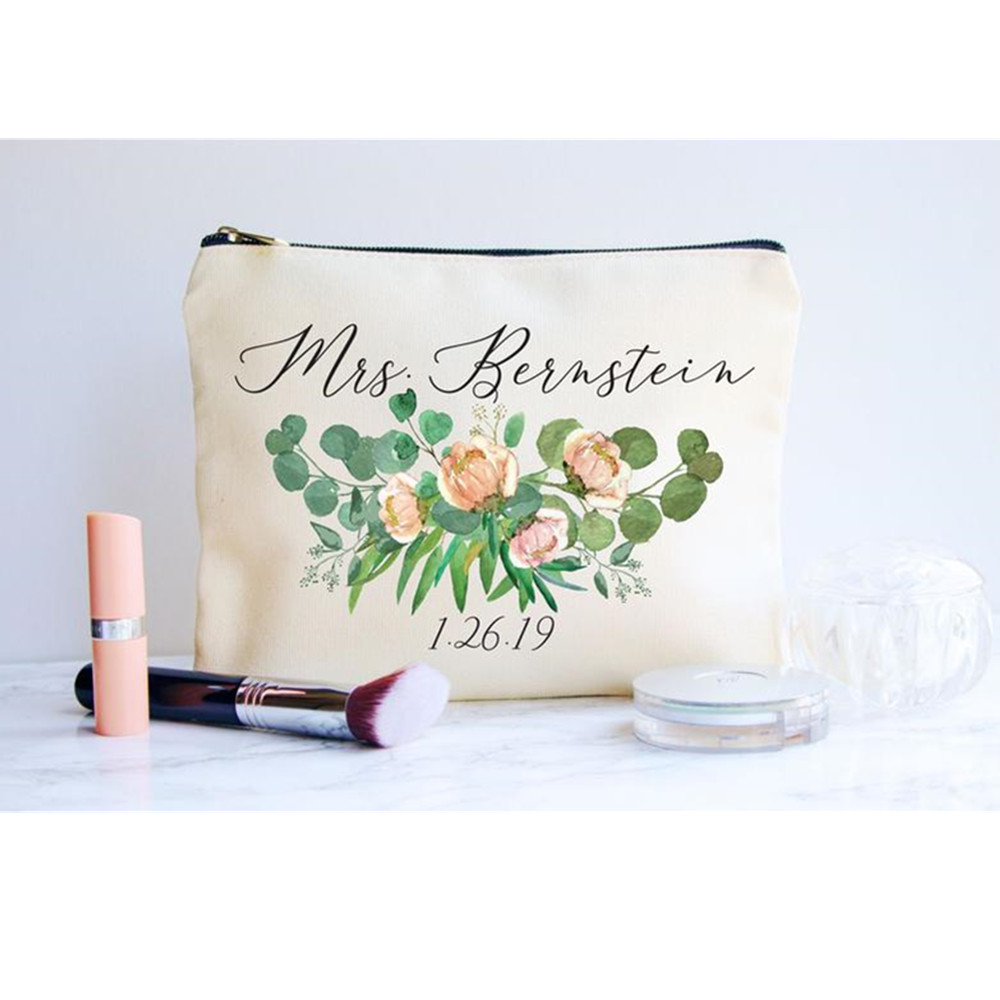 Bride Maid Of Honor Wedding Makeup bags Cosmetic Bag customize flowers Bridal Shower Bridesmaid gift engagement decoration favor