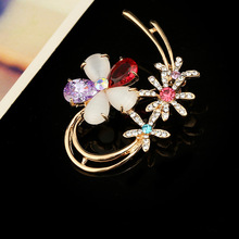 Wedding Bride Bridesmaid Rhinestone Brooches and Pins Jewelry Crystal Flower Brooch Romantic