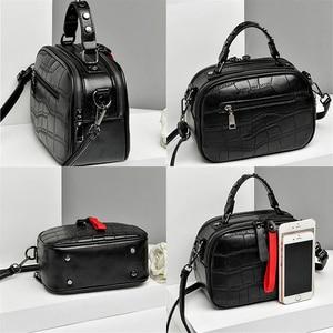 Image 4 - Mini PU Leder Umhängetaschen Für Frauen 2020 Haar ball Schulter Messenger Tasche Damen Kleine Niet Handtaschen Reise Hand Tasche