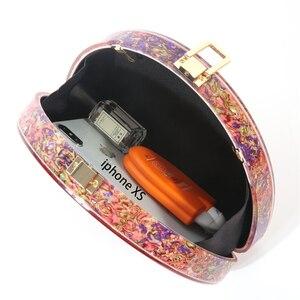 Image 4 - Yeni yarım daire kadın çantası akrilik pullu gece akşam yemeği çanta çanta kadın düğün akşam çanta moda renkli parti kutusu debriyaj