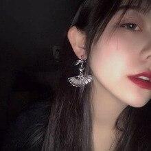 Japan and South Korea vintage neo-goth street punk girl fan bow heart-shaped pendant earrings cool female disco charm