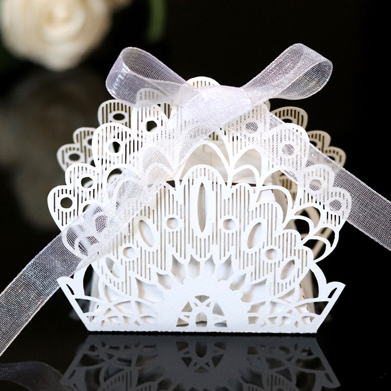 50pcs Laser Cut Peacock Flower Candy Boxes Sweets Boxes Favor Gift Boxes With Ribbon For Wedding Engagement Favor Party Supplies