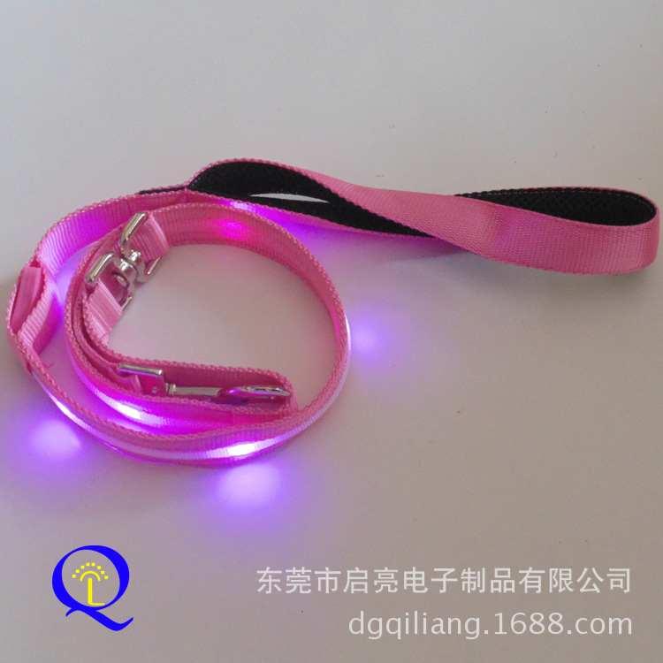 High Quality LED Shining Dog Traction Belt Processing Night Light And Medium Pet Traction Rope