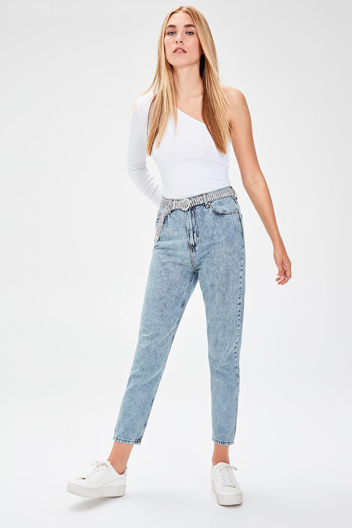 Trendyol Mavi-Flushing High Bel Mom Jeans TWOAW20JE0048
