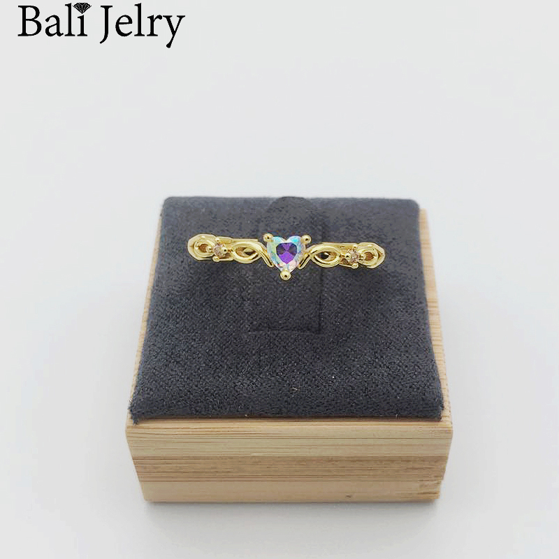 Bali Jelry Fashion Ring for Women 925 Silver Jewelry Heart-shaped Emerald Zircon Gemstone Accessories Wedding Engagement Rings