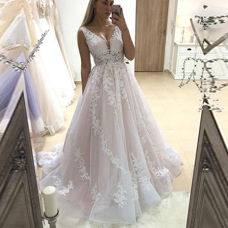 Vestido De Casamento 2019 Simple V Neck Lace Appliqued Tulle Wedding Dress Plus Size Sleeveless Sweep Train Bridal Wedding Gowns