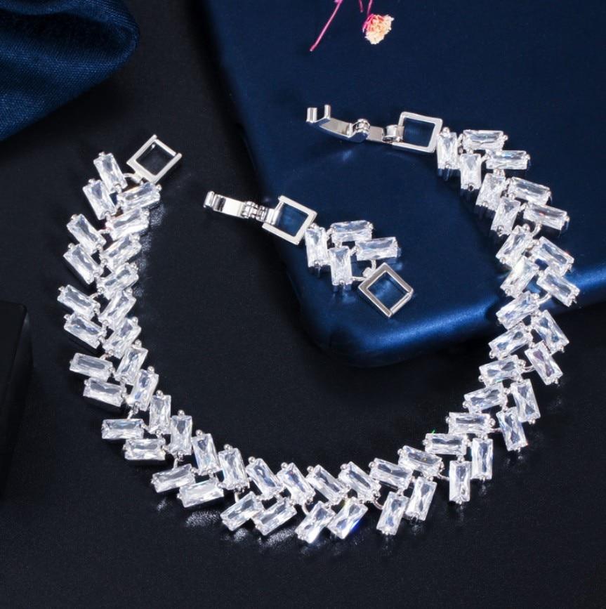 Luxury Jewelry AAA High Quality Cubic Zircon Leaf Shape Vintage Bride Wedding Bracelet Bangle for Women s0173