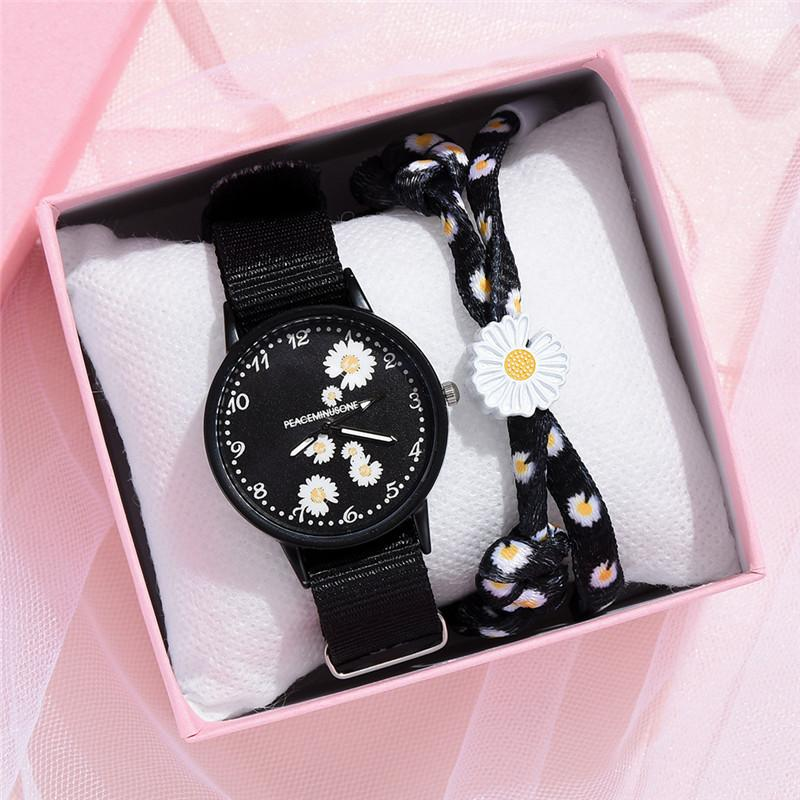 Small Daisy Wrist Watch Women Fashion Nylon Strap Dress Quartz Watch Simple Wild Girlfriends Couple Watch Birthday Gift Women 1