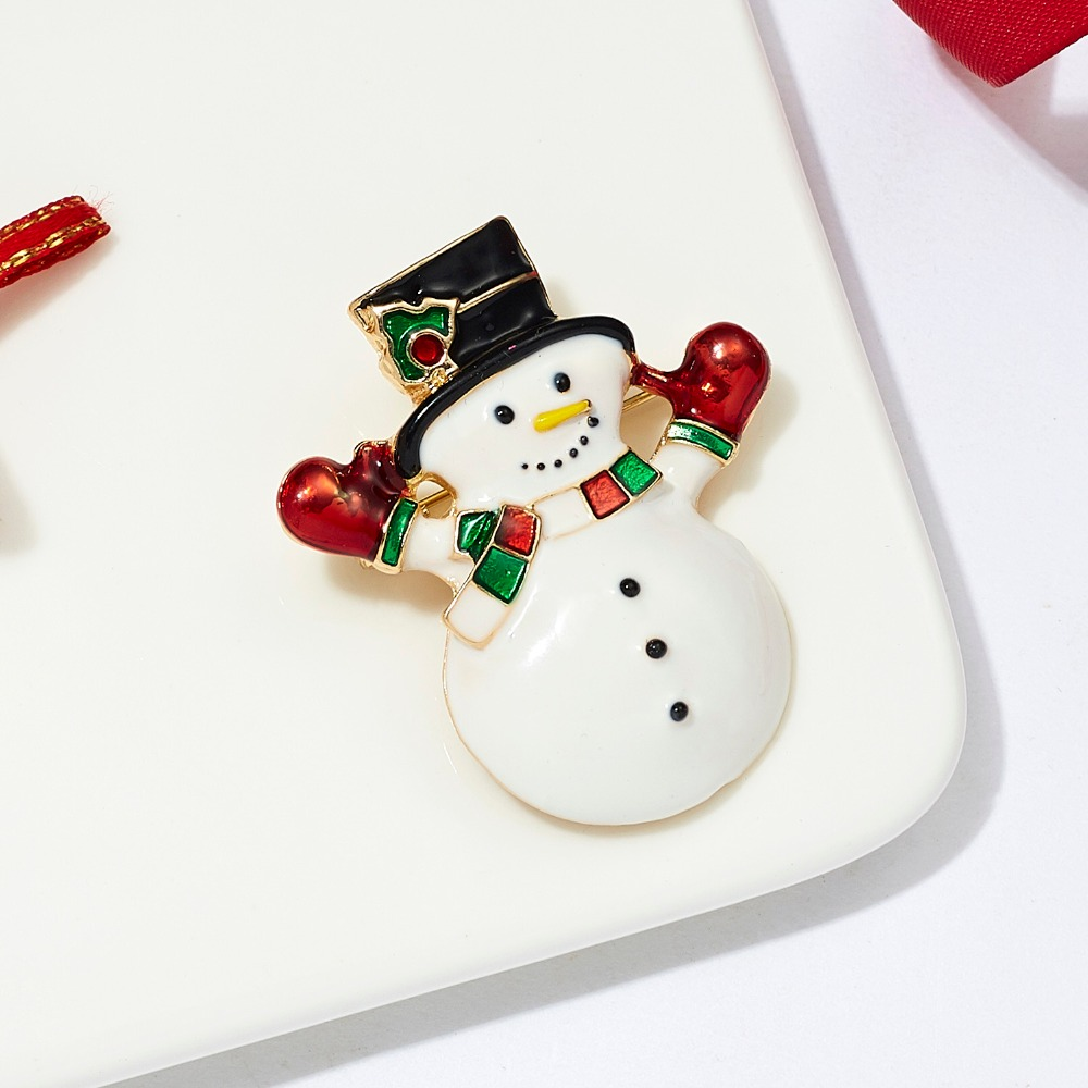 Christmas New Year Cat Kitten White Brooch Corsage Banquet Pins Decoration Gifts