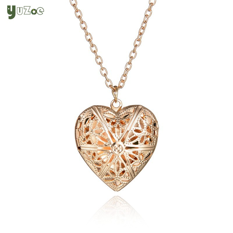 Ladies necklace love can open small photos for Women heart shape box Girlfriend Gift Mothers Day gift