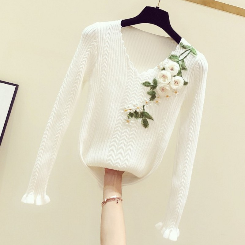 New Flower Sweater Woman Autumn/winter Hand Embroidered Flower Decoration V-neck Long Sleeve Pullover Sweater Jumper Femme