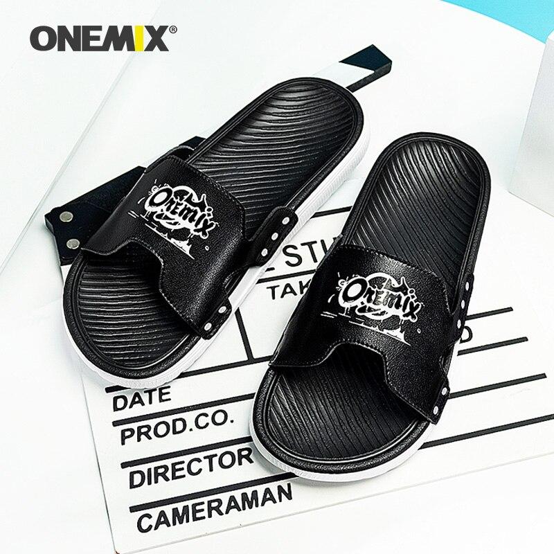 ONEMIX-chanclas planas con dibujos animados para mujer y hombre, sandalias para la playa, antideslizantes, para casa, para verano