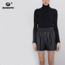 купить ROHOPO Overlocked High Waist Tie Belted Black Leathe Skirt Shorts Ladies Pleated Solid PU Leather Short Buttoms # 19158 по цене 761.38 рублей