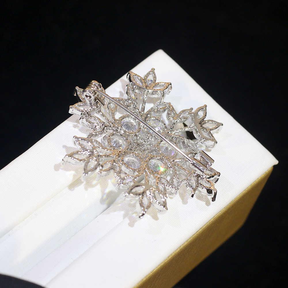 Kualitas Tinggi Pria Pin Zirkonia Serpihan Salju Bros Wanita Pakaian Aksesoris Perhiasan Pernikahan Perjamuan Hadiah Bros