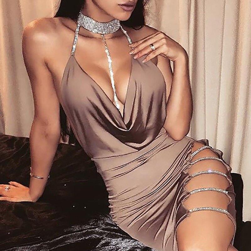 Nouveau femmes Sexy licou col en V boîte de nuit robe femme solide sans manches côté slip diamants chic mini robe dames clubwear fête