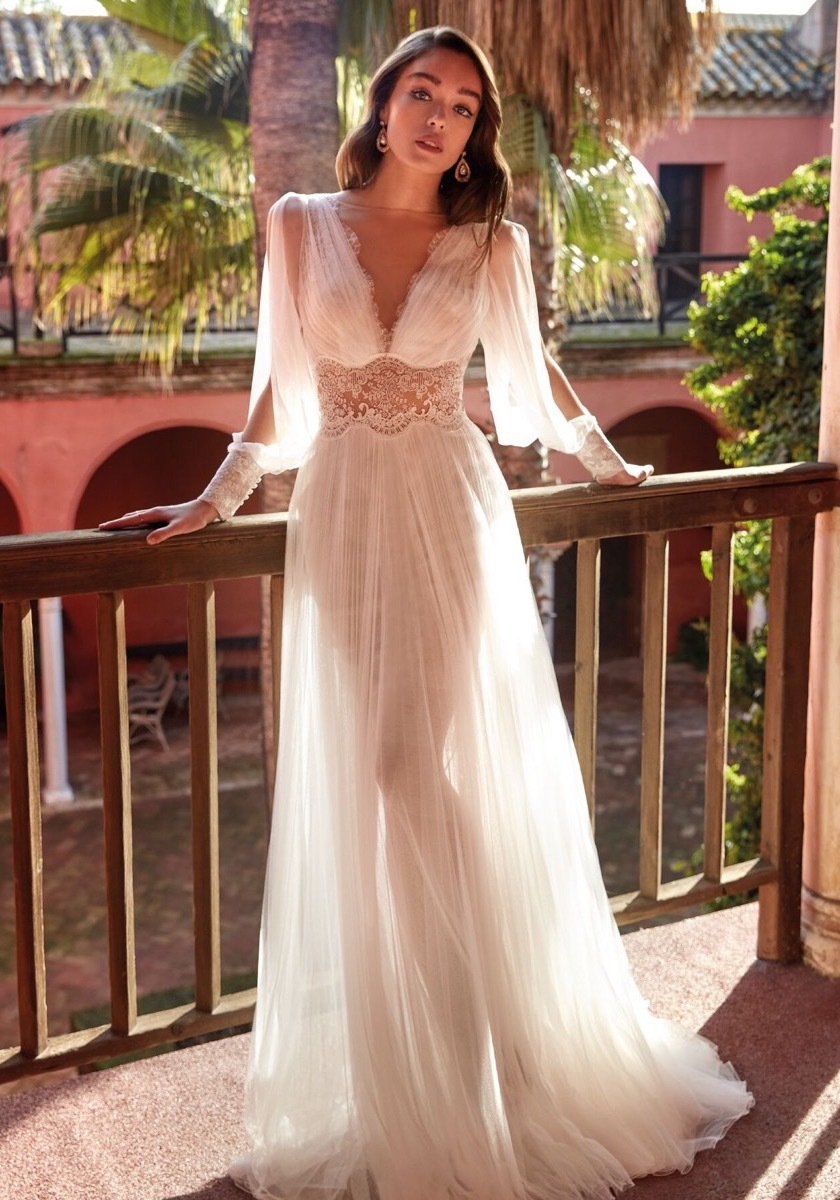 2021 Summer New Arrival Ladies Dress Casual Brand Sexy V-Neck Long-Sleeved Lace Mesh Stitching Gown Suitable for Formal Partie