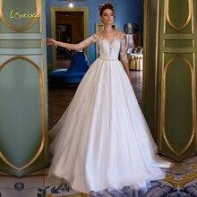 Loverxu イリュージョンスクープ A ラインのウェディングドレスアップリケビーズ 3/4 スリーブボタン花嫁ドレス裁判所の列車ブライダルガウンプラスサイズ