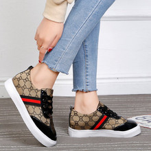 2019 Spring Autumn Brand Designers Women Flats Shoes Fashion Round Toe Female Lace Up Loafer Leather Sneakers Casual Shoes 35-40 все цены