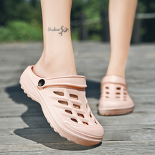Women casual Clogs Breathable beach sandals valentine slippers summer slip on women flip flops shoes home shoes for women slides 2017 summer clogs for women lovers sandals cut outs shoes woman slip on flats casual slippers women flip flops for ladies