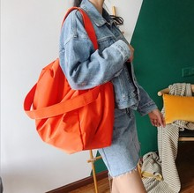 Ins tide shoulder bag female  new European and American fashion solid color Messenger bag large capacity simple portable fit