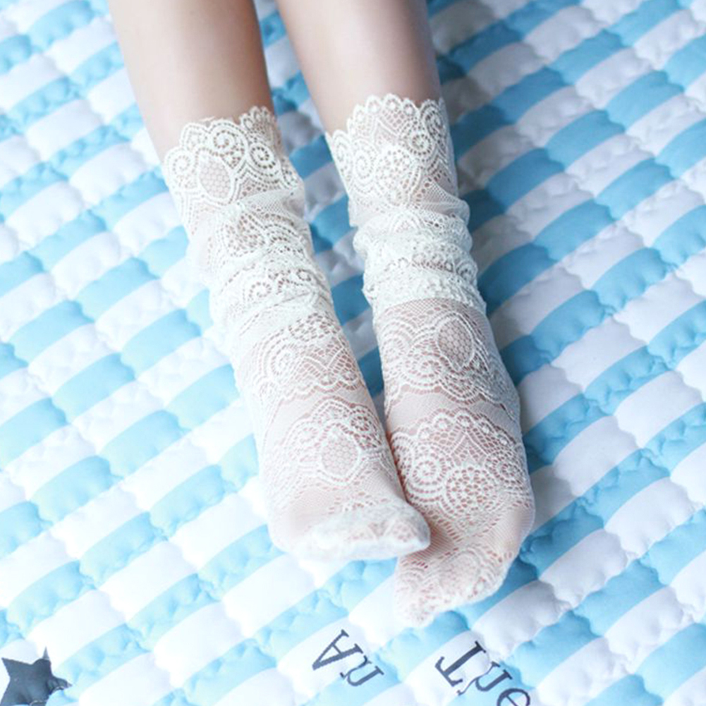 Women Floral Sexy Lace Socks Ladies Fashion Mesh Middle Tube Floral Retro Lace Sock Summer Elastic Solid Color Sock