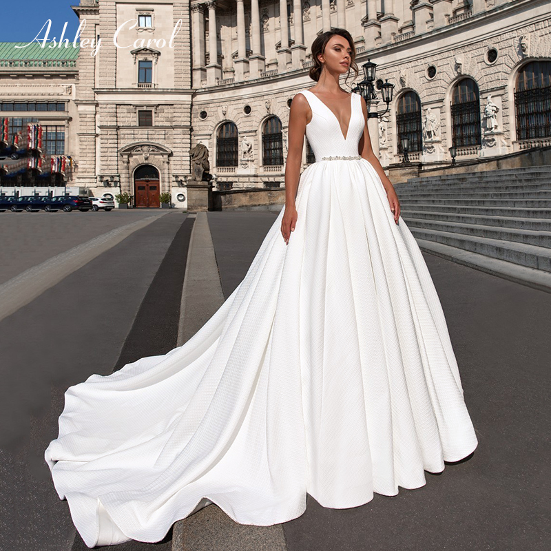 Ashley Carol Satin Ball Gown Wedding Dress 2019 Beaded V-neck Sleeveless Backless Luxury Princess Bride Gown Vestido De Noiva