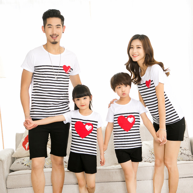Family Matching Outfits Mommy Daddy Kid Son Baby T-Shirt Shirts Family Clothes Child T-Shirt Stripe Love Heart Print Tops Sets