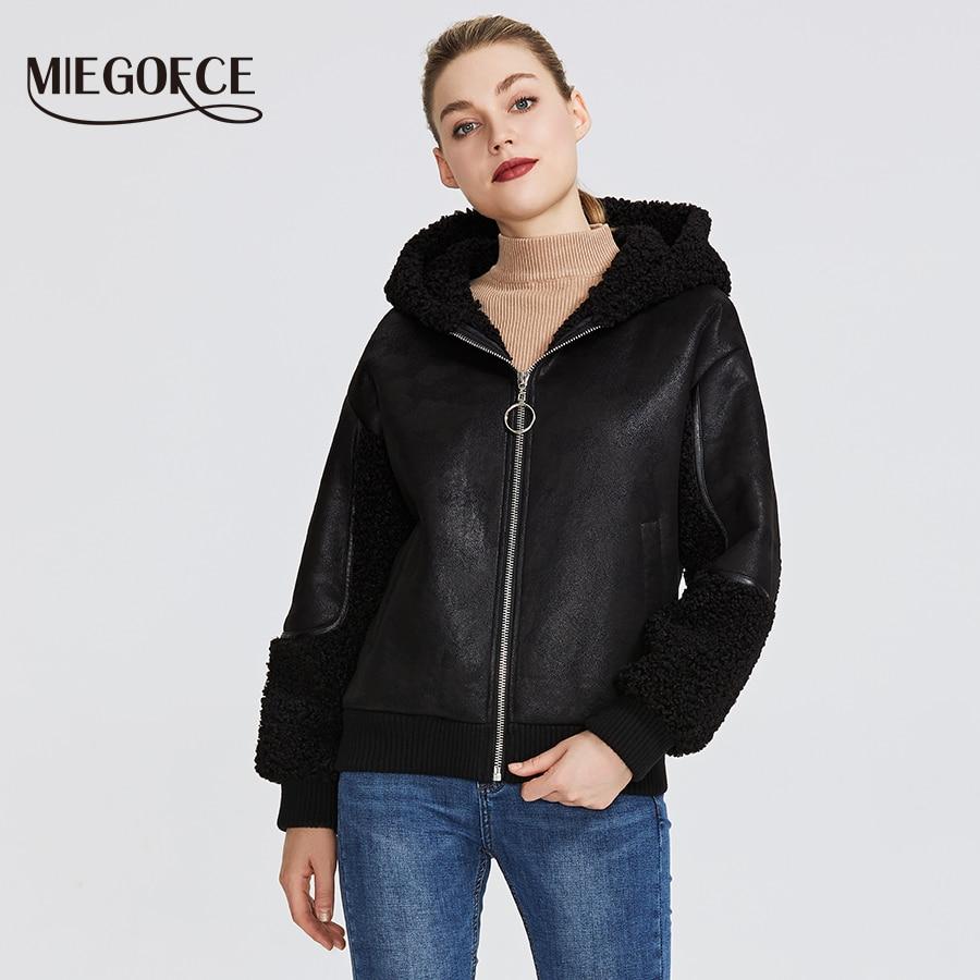 Miegofce 2019 nova coleção feminina de inverno jaqueta de pele falsa estilo casaco de pele de carneiro cores incomuns na altura do joelho capuz à prova de vento