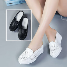 Lightweight Scrub Slippers Breathable Pigskin Nurse Shoes Medical Clogs Workwear for Women