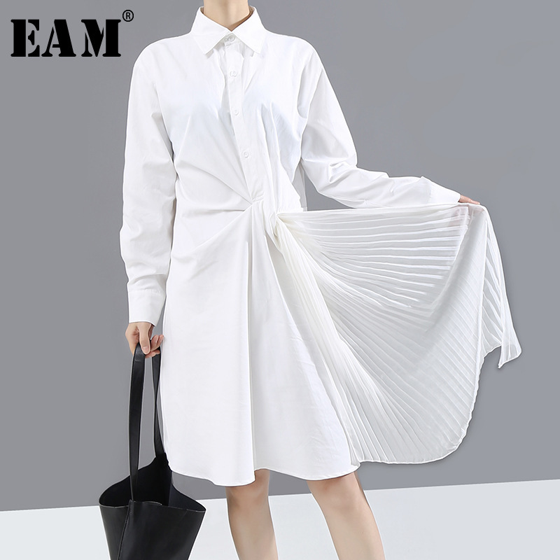 [EAM] Women White Pleated Split Asymmetrical Shirt Dress New Lapel Long Sleeve Loose Fit Fashion Tide Spring Autumn 2020 1N838