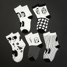 цена на Autumn and Winter Cotton Women's Middle Tube Socks Breathable Personality Black and White Portrait Stripe Middle Tube Socks
