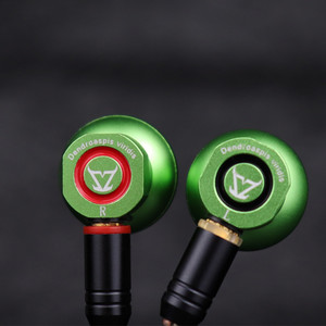 TONEKING Dendroaspis Viridis HIFI Earbud Three Diaphragm Dynamic Physical Frequency Division Headset Metal Earphones With MMCX