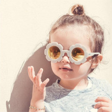 2021 New Children Sun Flower Sunglasses Classic Vintage Boys And Girls Round Plastic