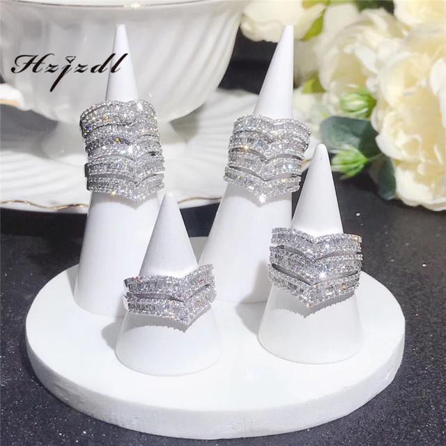 18K gold 0.5ct v-shaped diamond ring for women