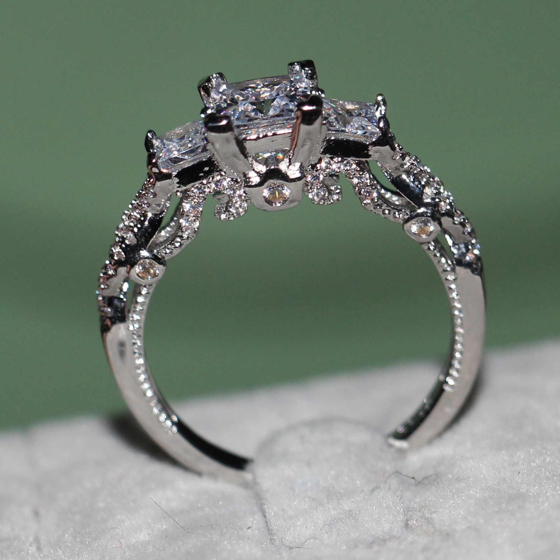 ใหม่ล่าสุด Clear 3 หิน Zircon Ring แหวนผู้หญิง Gold Filled Wedding Party หมั้นแหวนสร้างสีขาว zircon เครื่องประดับของขวัญ